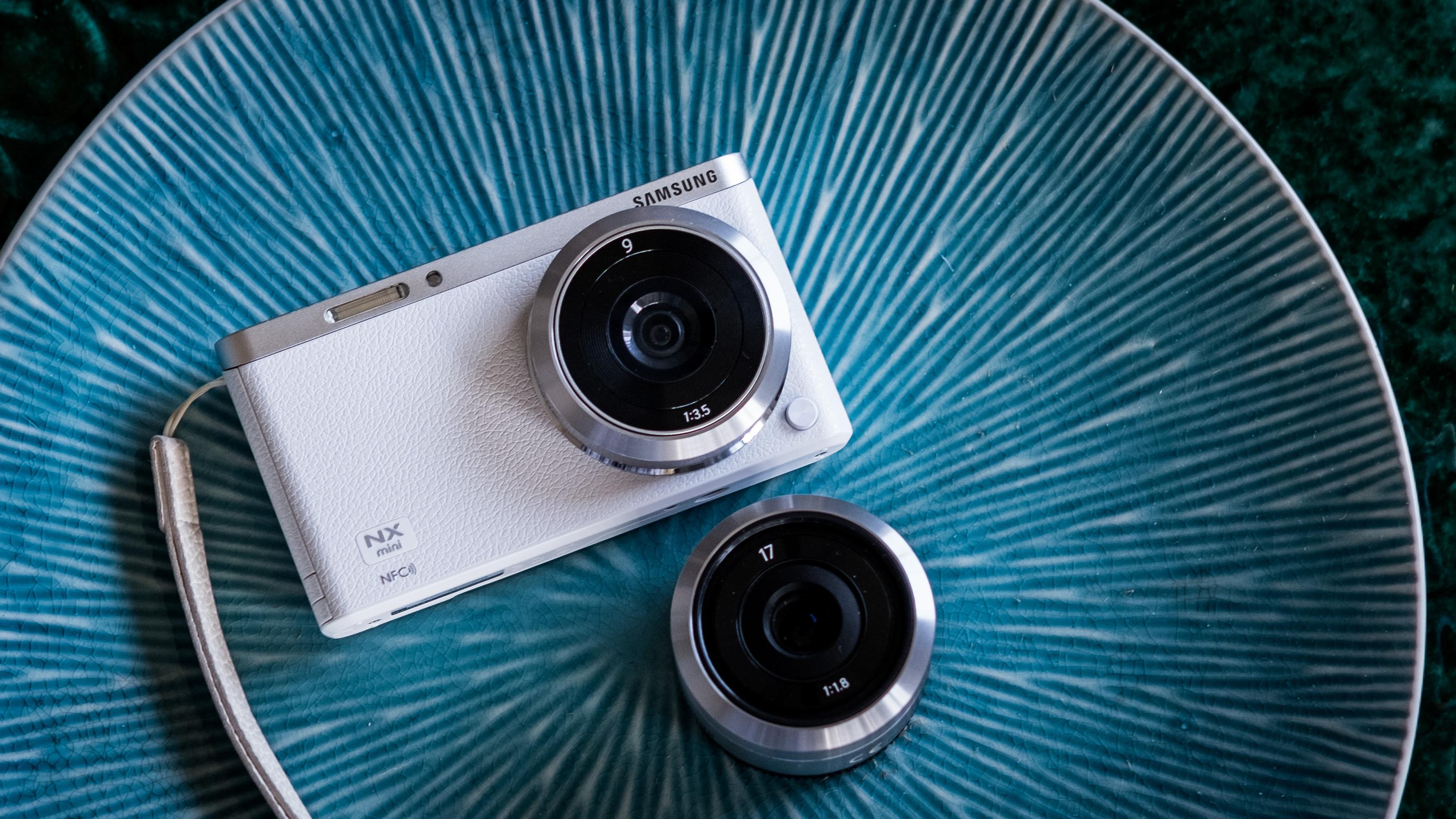 Samsung NX-mini